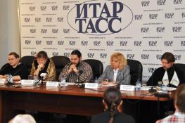 В Санкт-Петербурге прошла пресс-конференция по защите семьи